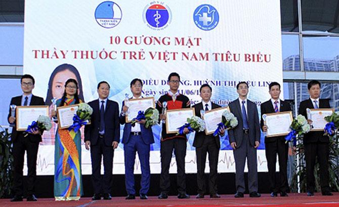 Bác sĩ Nguyễn Văn Chuẩn được tuyên dương thầy thuốc trẻ tiêu biểu toàn quốc